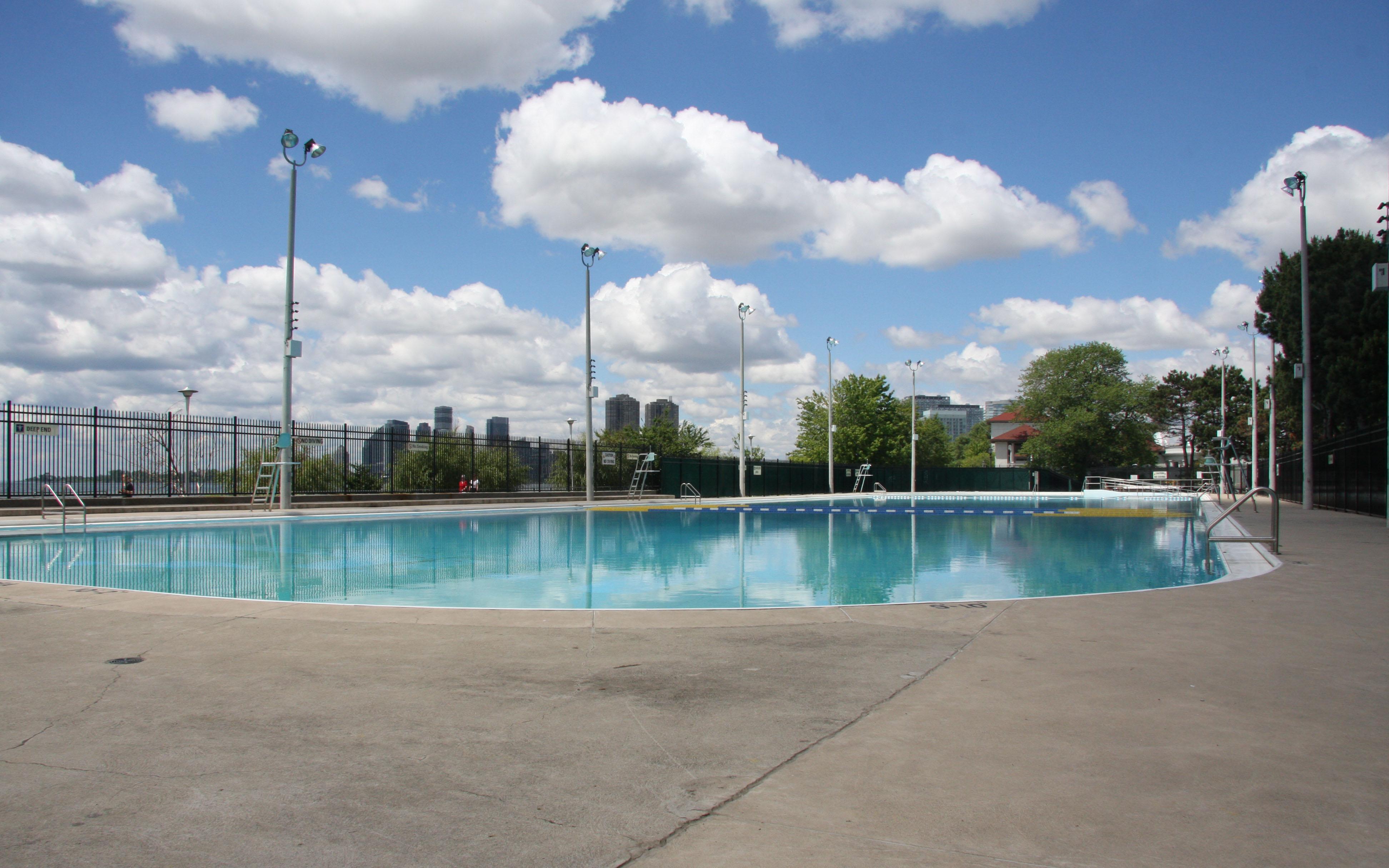 Sunnyside Gus Ryder Outdoor Pool - City of Toronto