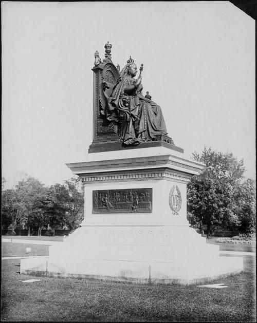 Queen Victoria Monument, queen's Park