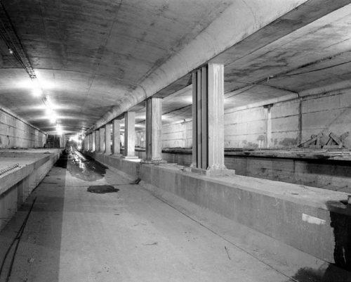 Queen subway station, concrete complete