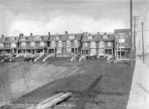Line of three-storey, semidetached houses