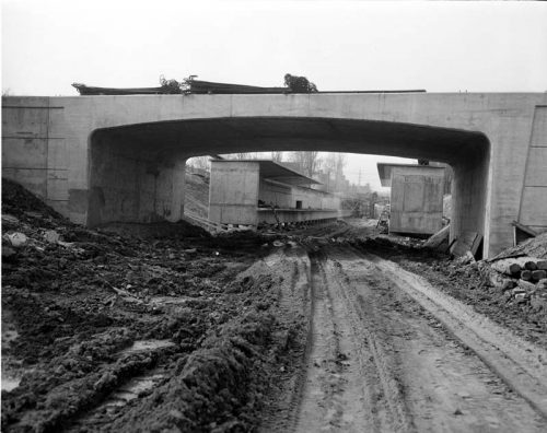 Concrete bridge near Rosedale Station