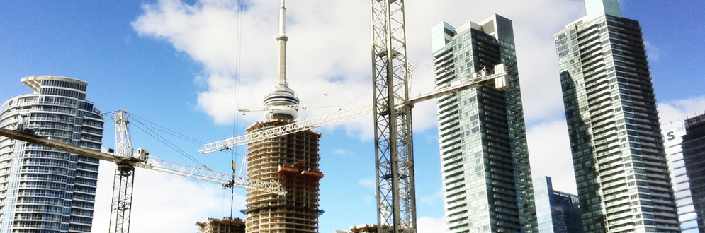 Cranes and highrise construction in downtown Toronto