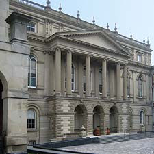 Image of Court House in Toronto