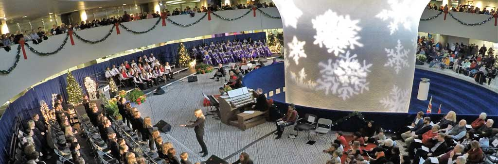 Christmas concert performers in the rotunda of Toronto City Hall