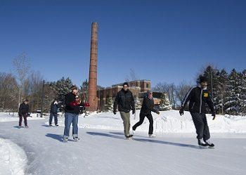 Outdoor skaters in Toronto