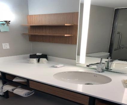 Image of Toronto Voluntary Isolation Centre guest bathroom