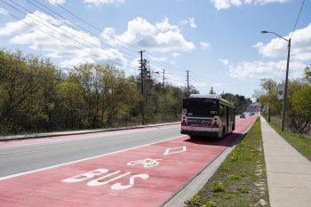 bus using the rapidTO bus lane.