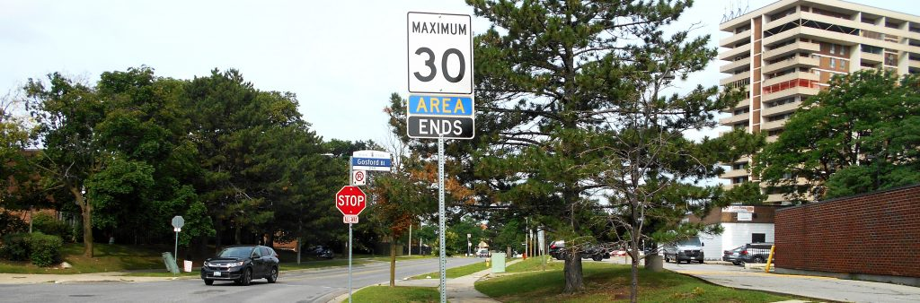 Image of a speed limit sign that reads Maximum 30, Area Ends